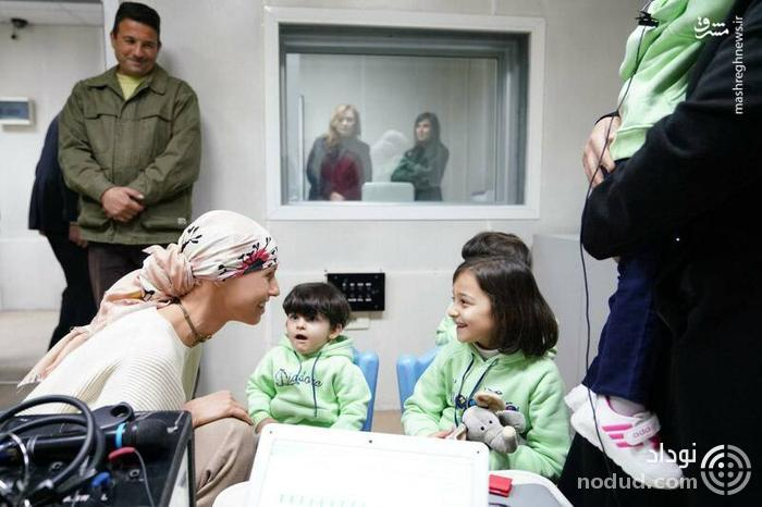 عکس /  دیدار «اسما اسد» با کودکان گوش حلزونی