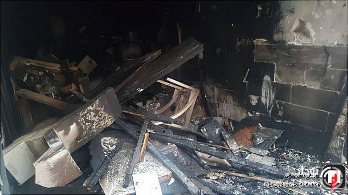 فروشگاه مصنوعات چوبی در آتش سوخت