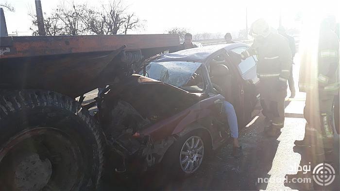 تصادف شدید سواری با کامیون در بزرگراه آزادگان