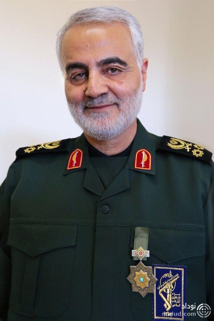 اولین تصویر از اهدای نشان ذوالفقار به سردار سلیمانی تووسط رهبر انقلاب