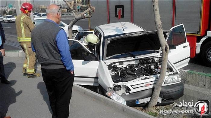 تصادف شدید پراید با درخت در جاده مخصوص کرج