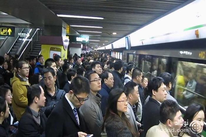 مترو شانگهای در ساعات شلوغ