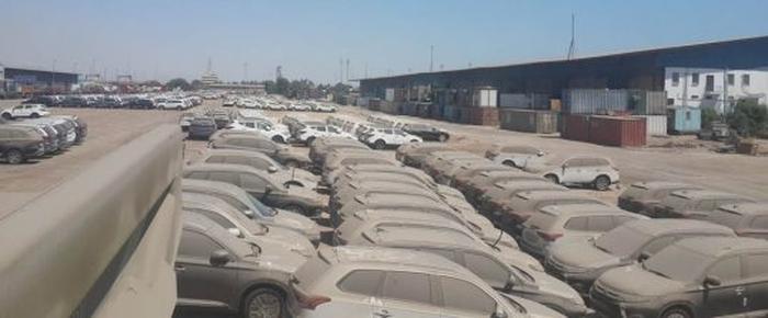 ترخیص خودروهای وارداتی: مشتری بلاتکلیف، واردکننده سردرگم
