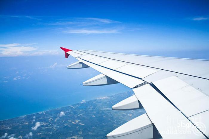 تکان خوردن بال هواپیما