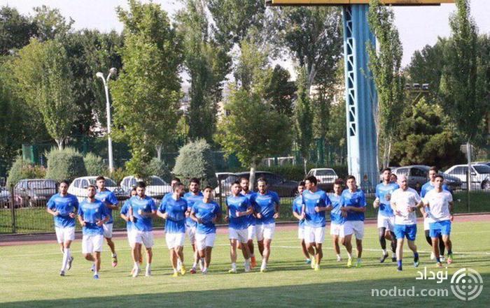 خوش آمدگویی به بازیکنان تازه وارد استقلال در نخستین تمرین با استراماچونی