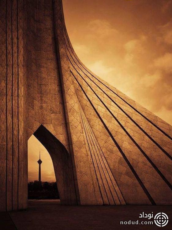 برج آزادی و برج میلاد